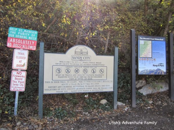 These signs are at the start of the hike.