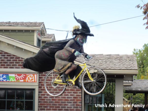 fall activities in utah: Gardner village witches