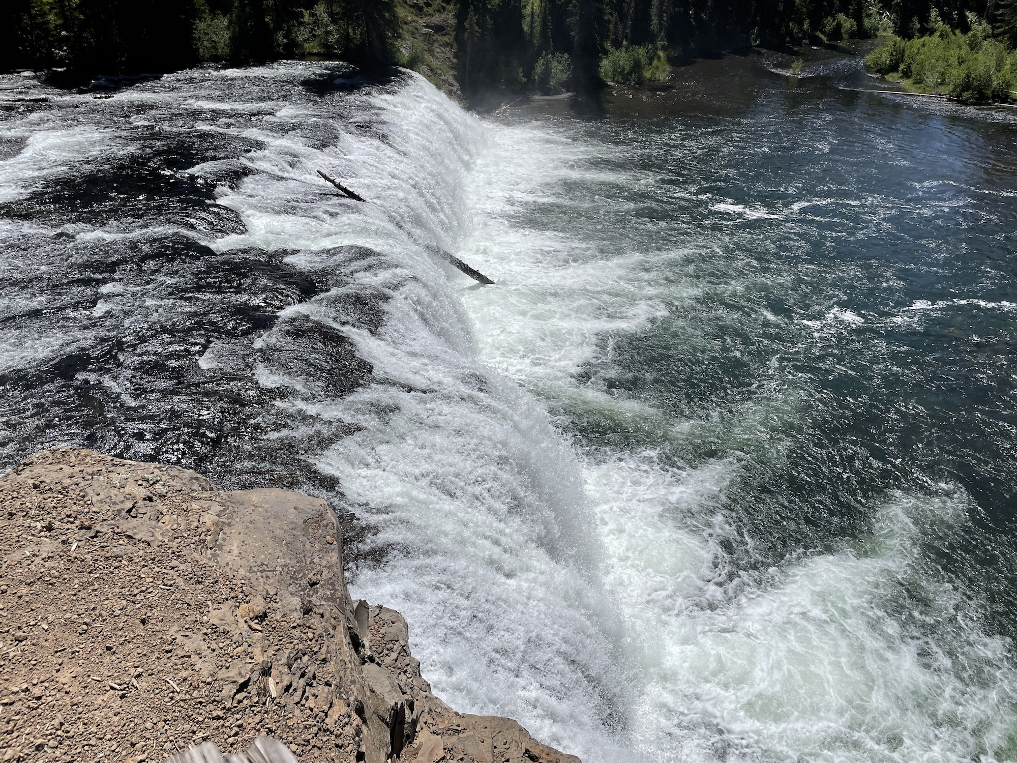 brink of cave falls yellowstone