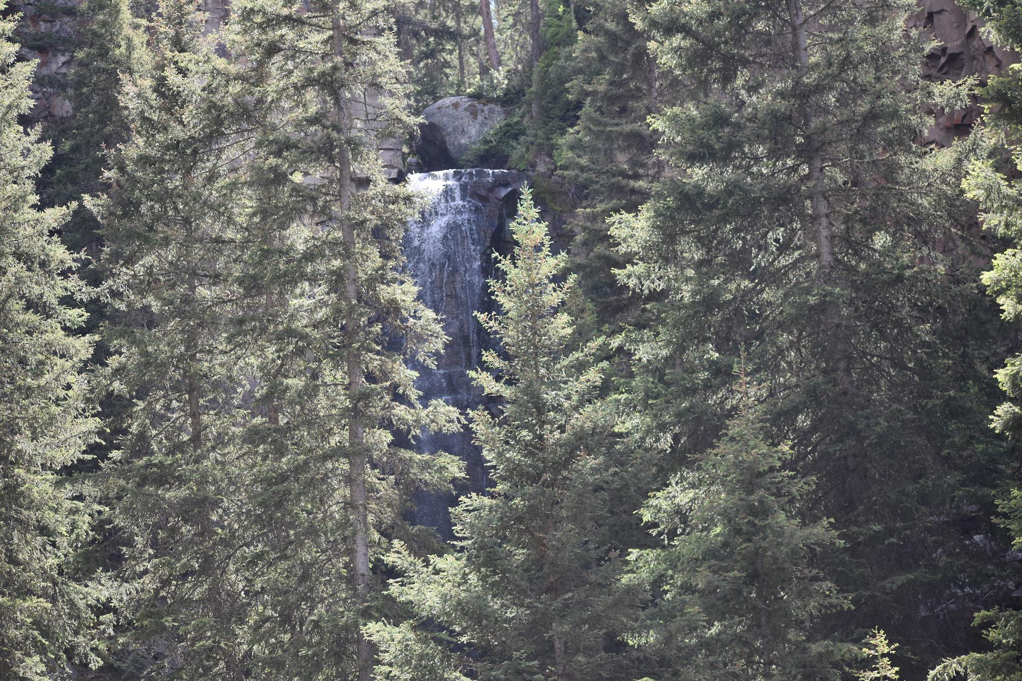 lost falls yellowstone