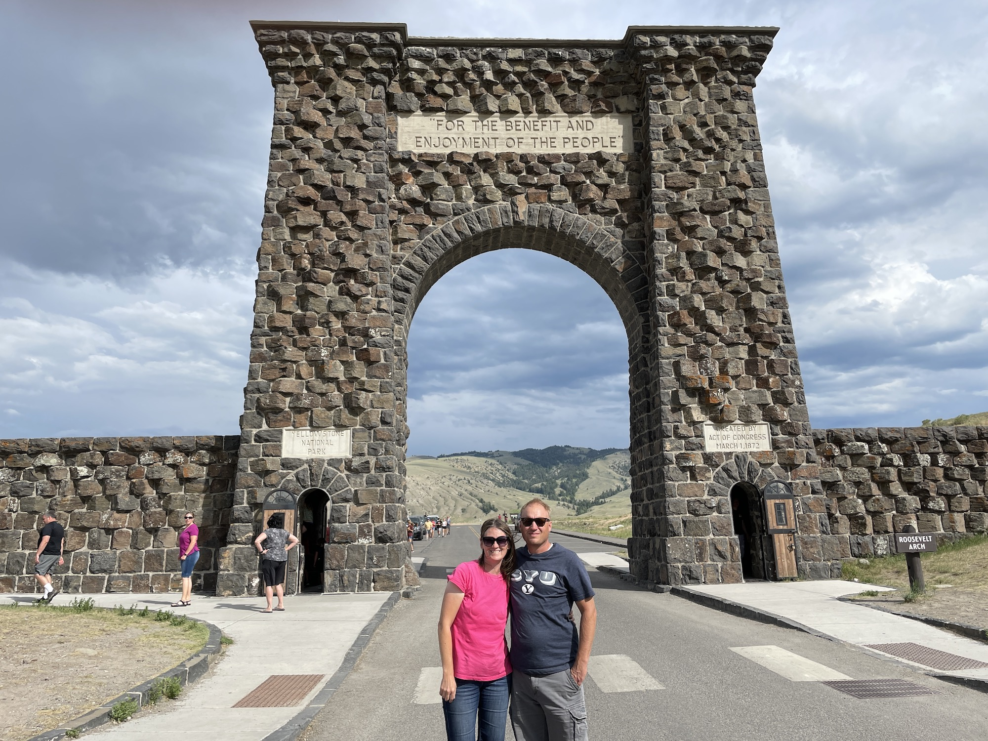 Roosevelt Arch: Things to do near Mammoth Yellowstone